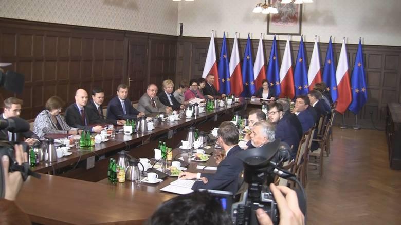 Posiedzenie rządu i protesty w Szczecinie [wideo]