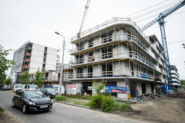 Na deweloperskich inwestycjach praca wre - obniżek cen nowych mieszkań nie ma się co spodziewać.