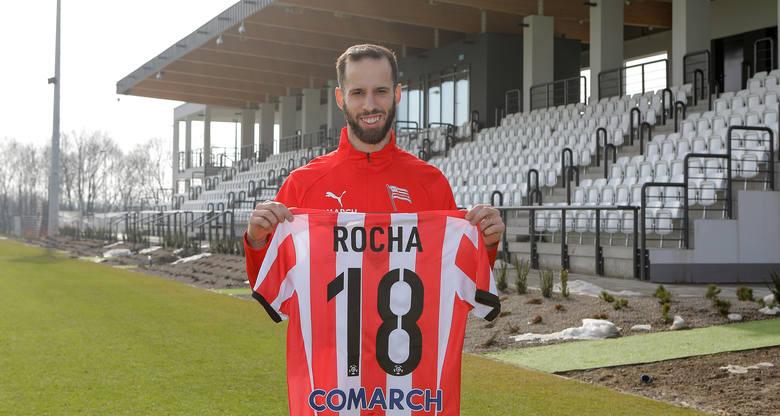Przyszedł w lutym 2021, obrońca. Poprzedni klub: Legia Warszawa. Podpisał kontrakt do końca sezonu.