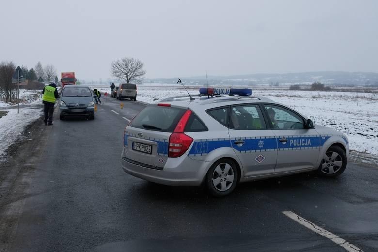 Do potrącenia pieszego doszło na drodze krajowej nr 28 w miejscowości Hurko (pow. przemyski), w środę ok. godz. 10.30.Jak informuje policja, kierujący