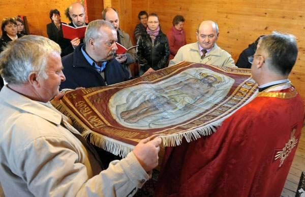 Liturgia Wielkiego Piątku w greckokatolickiej cerkwi w Łuczycach