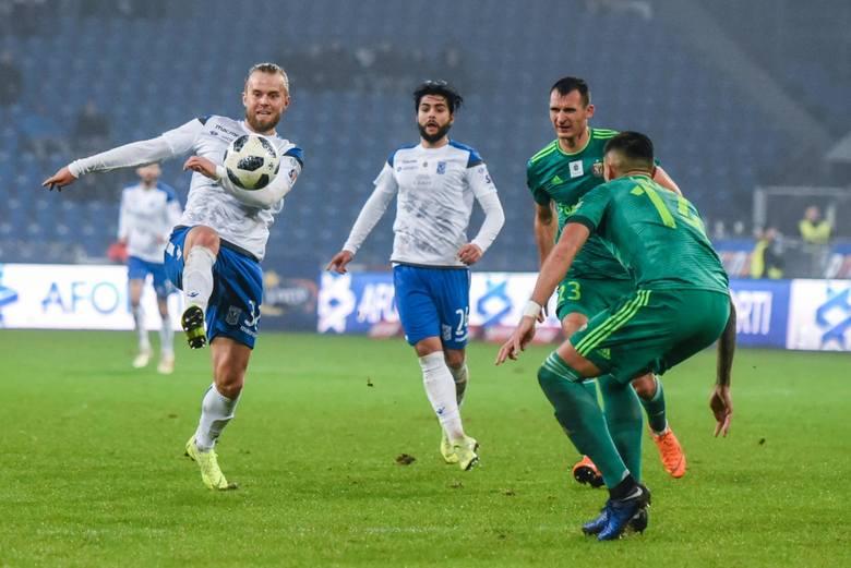 28-letni Duńczyk strzelił w tym sezonie w lidze już 9 goli dla Lecha Poznań. Christian Gytkjaer zaskakuje jednak nie tylko bramkarzy w polskiej Ekstraklasie.