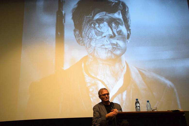 """Kino Forum. Olgierd Łukaszewicz na pokazie filmu """"Jak pies z kotem"""". Spotkanie prowadził Tomasz Adamski"""
