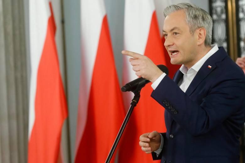 Robert Bieroń wystawia Jackowi Sasinowi rachunek za wybory. Wieczorem w Sejmie głosowanie nad wotum nieufności dla ministra
