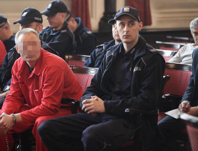 Na początku kwietnia zmarł świadek koronny w procesie, Dariusz S., ps. Szramka. To na podstawie jego zeznań w połowie lat dwutysięcznych Prokuratura