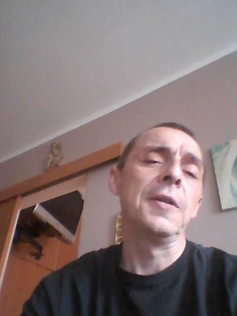 Krzysztof Dymkowski w tym roku pomógł policji zidentyfikować ponad 90 pedofili. W niedzielę dzięki niemu jednego udało się złapać w białostockiej galerii.