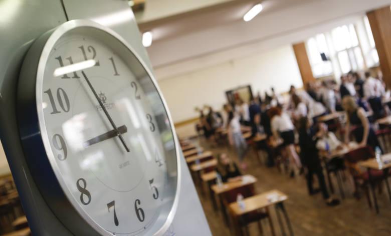 Ponad 22 tys. maturzystów z Podkarpacia zdaje dziś obowiązkowy, pisemny egzamin z języka polskiego na poziomie podstawowym. Egzamin potrwa 170 minut.