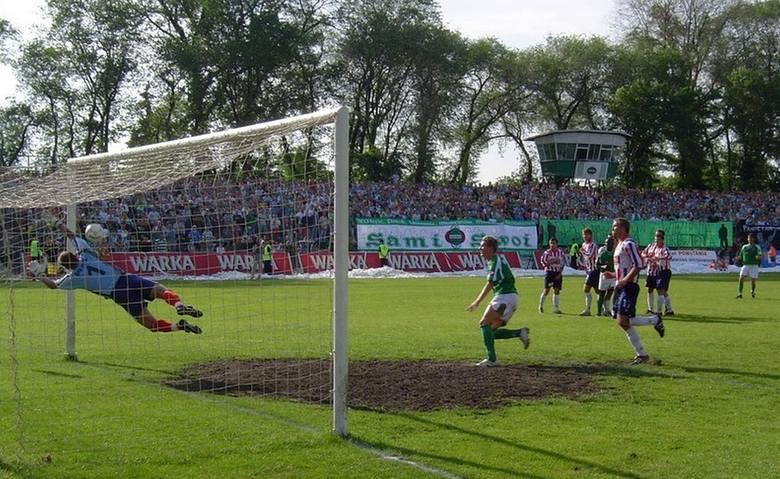 18 czerwca 2006 roku. Radomiak w barażowym rewanżu podejmował u siebie Odrę Opole. W pierwszym meczu na wyjeździe był remis 1:1. W rewanżu zieloni byli