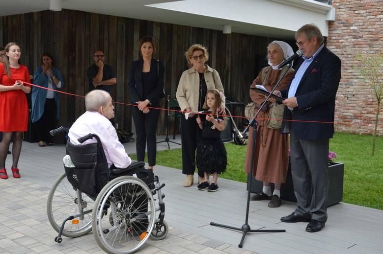 Siostra Małgorzata Chmielewska otwiera pod Ożarowem nowy dom. Tym razem dla niepełnosprawnych bezdomnych [ZDJĘCIA]