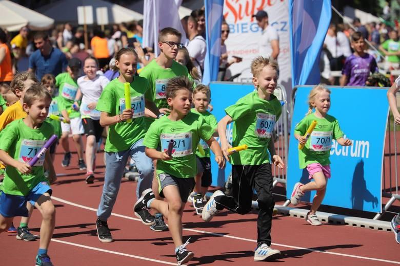 Białystok. Setki dzieci pobiegły w 5. Sztafecie Maratońskiej Electrum Ekiden [ZDJĘCIA]