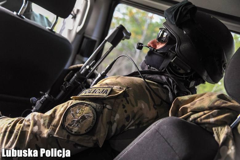 Lubuscy policjanci rozbili szajkę, która czerpała korzyści z prostytucji zwerbowanych wcześniej kobiet.
