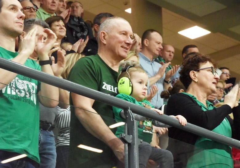 Kibice znów nie zawiedli. Znakomicie pomogli koszykarzom Stelmetu Enei BC Zielona Góra w zwycięstwie (102:96) nad Tsmokami Mińsk w lidze VTB. I to po