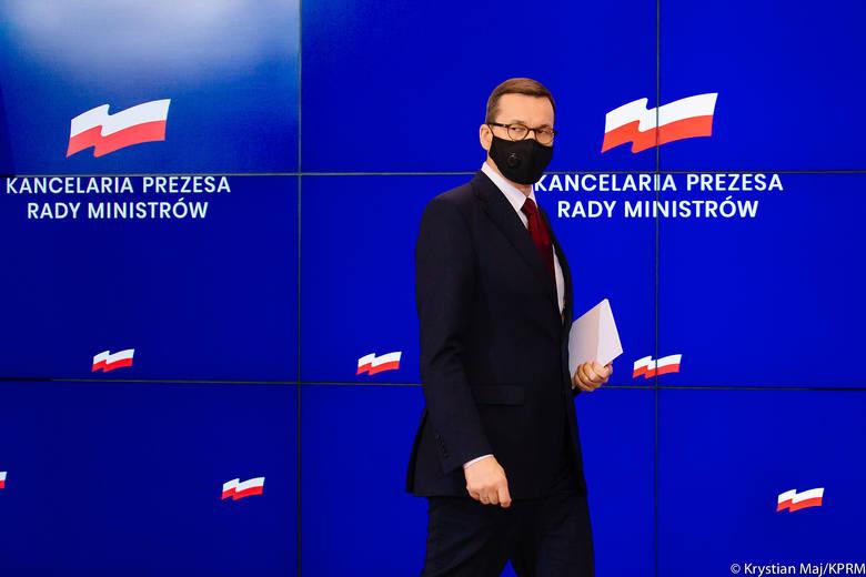 Oto obostrzenia, jakie obowiązują w Polsce od poniedziałku, 1 lutego. Czy w lutym można będzie więcej niż w styczniu? Tylko nieznacznie, choć co innego
