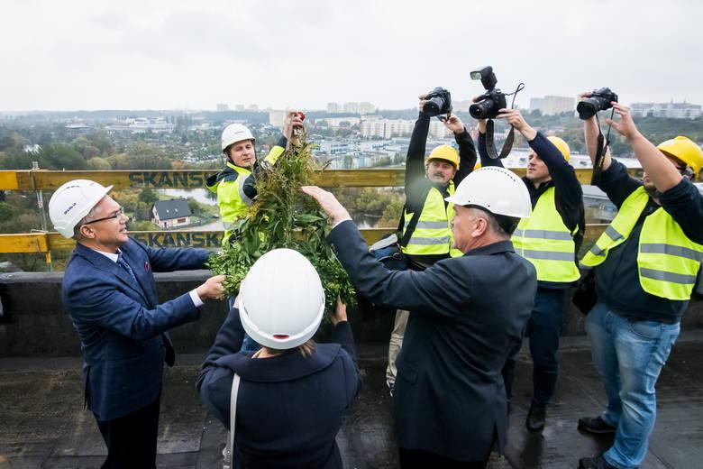 Wiecha na szczycie Arkada Business Park w Bydgoszczy [ZDJĘCIA]