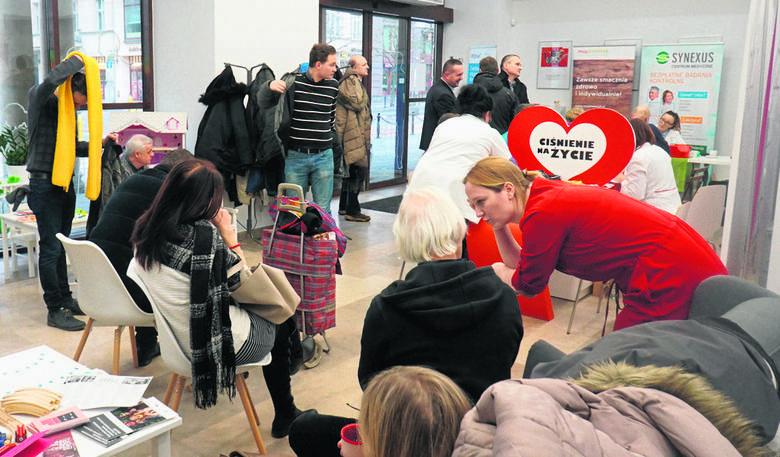 """Akcja bezpłatnych badań """"Ciśnienie na życie"""", która odbyła się w styczniu w Centrum Inicjatyw Rodzinnych przy ulicy Ratajczaka, cieszyła się bardzo dużym"""