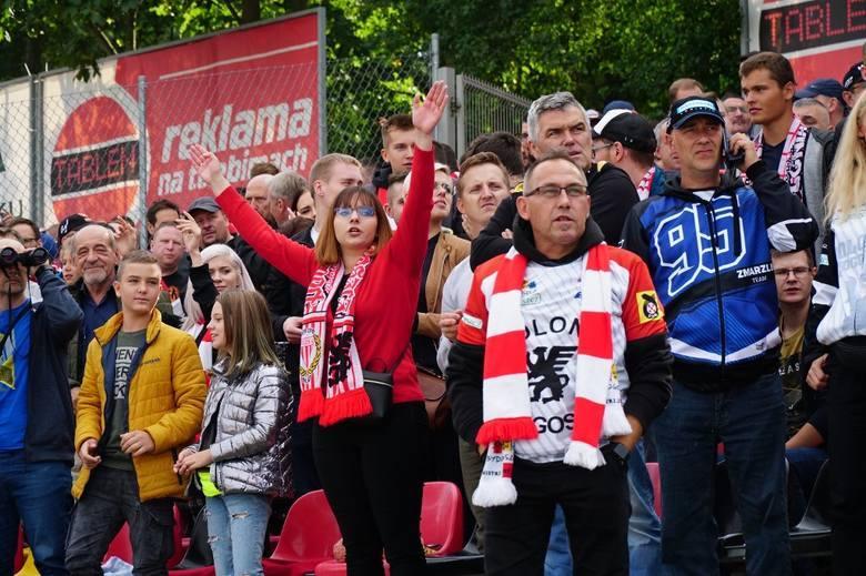 Żużlowcy ZOOLeszcz Polonii się nie spisali i przegrali pierwszy mecz finału w Poznaniu z PSŻ 59:31. Za to kibice bydgoskiej drużyny zaprezentowali najwyższy