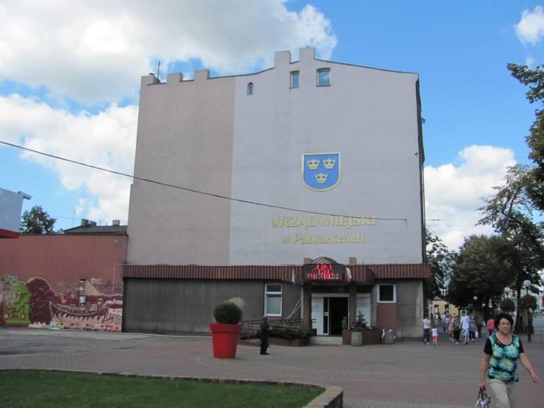 Ogólnodostępne defibrylatory w listopadzie pojawią się w Pabianicach