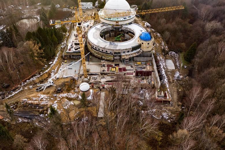 Widać postęp prac. Tak zmienia się Planetarium Śląskie w Chorzowie
