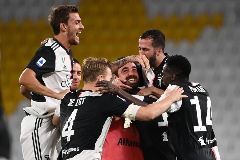 W niedzielę Juventus zapewnił sobie mistrzostwo Włoch, już dziewiąte z rzędu. Podobnym osiągnięciem mogą pochwalić się dwa kluby w Europie. Sprawdziliśmy,