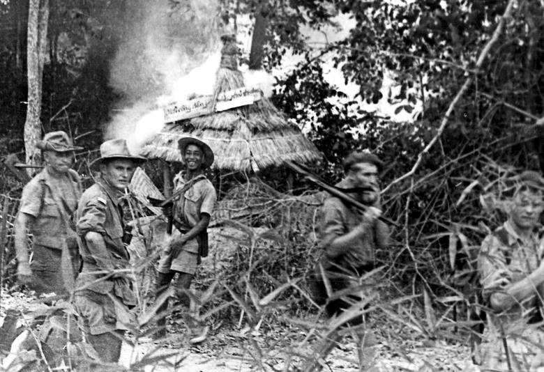 Niszczenie punktu obserwacyjnego Viet Minhu. Ahn-Nhon-Tay, 1950 r.