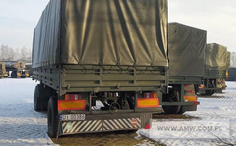 Przyczepa transportowa dużej ładowności D-83 (ład. 10,0 t)Ilość:1NR fabryczny:14017Rok produkcji:1985Cena:6 500,00