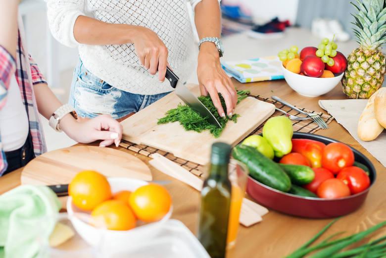 Dietetyczne, zdrowe przepisy na Wielkanoc. Jak jeść, aby nie przytyć w święta. Dania na święta wielkanocne poleca dietetyk [przepisy]