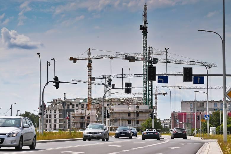 Do 2023 roku na Jagodnie przybędzie co najmniej 5 tysięcy nowych mieszkań. 3,5 tysiąca to lokale już reklamowane przez deweloperów do sprzedaży, a 1,5