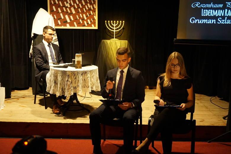 Wieczór żydowski i premiera pierwszego tomu serii Bożnica w Ożarowie (ZDJĘCIA)