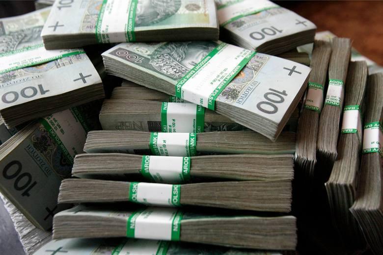 Z roku na rok rocznie liczba Lubuszan, którzy osiągają przychód powyżej miliona złotych. Dla przykładu w 2011 roku było ich 215, w 2017 r. już 500, a
