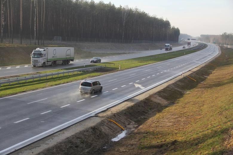 Nowy odcinek S8 do Warszawy otwarty. Kierowcy jadą już trasą Syców - Walichnowy