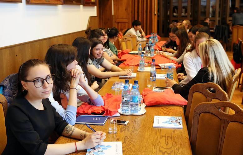 Studenci z kilkunastu krajów będa poznawać polską kulturę