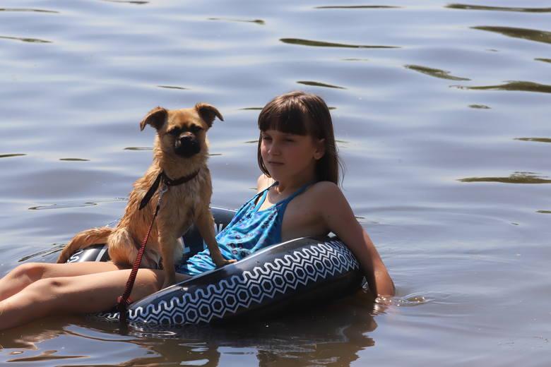 Sezon kąpieliskowy 2019 jest rozpoczęty. W regionie łódzkim zgłoszono w tym roku 17 kąpielisk i kilka miejsc tymczasowo wykorzystywanych do kąpieli.