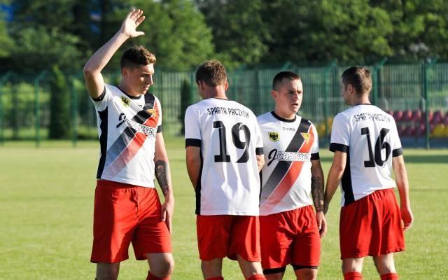 Prezentujemy kadry wszystkich 16 drużyn występujących w grupie 2. klasy okręgowej w województwie opolskim na rundę wiosenną.