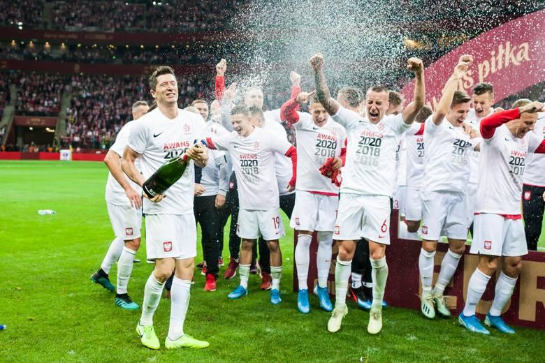 Poznaliśmy wysokość nagród jakie UEFA wręczy za przełożony turniej Euro 2020. Reprezentacja Polski bije się o naprawdę duże pieniądze. Już za sam awans