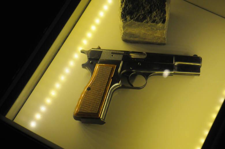 Pistolet, z którego zamachowiec strzelał do Jana Pawła II