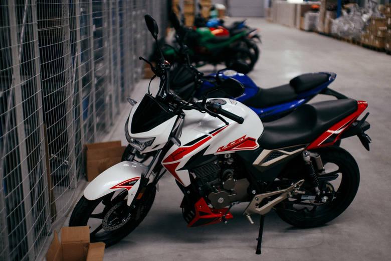 8 tysięcy różnych modeli motocykla marki Junak produkuje rocznie rodzinna firma Almot z Gniewkówca koło Złotnik Kujawskich.