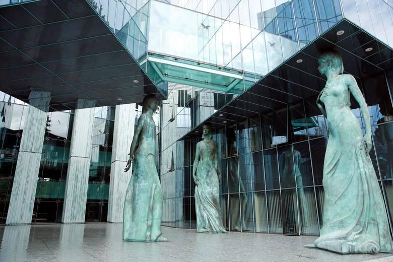 To nie koniec sporu ws. praworządności w Polsce. Komisja Europejska nie wycofa skargi na ustawę o SN. Art. 7 będzie dalej procedowany