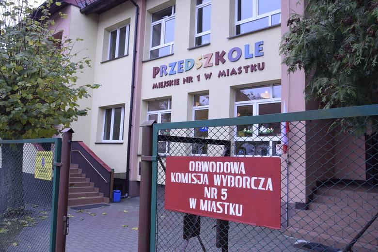 Druga tura wyborów w Miastku, Kołczygłowach i Studzienicach
