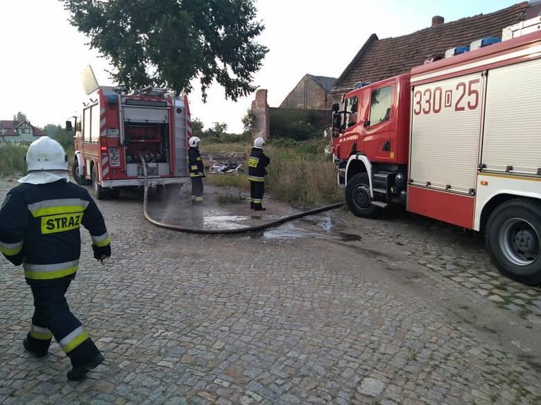 Poranny pożar pod Wrocławiem [ZDJĘCIA]