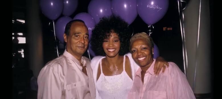 """""""Spod ekranu"""" film dokumentalny """"Whitney"""" w reżyserii Kevina Macdonalda. Zobaczcie cotygodniową rezencję Mariusza Załuskiego"""