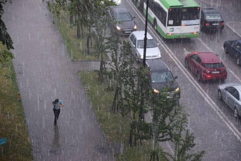 Radar burzowy online: Gdzie jest burza? IMGW wydało ostrzeżenie pierwszego stopnia przed burzami z gradem na Podlasiu [18.08.2019]