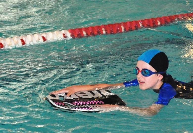 Wyniki. Hubert Kobyliński: II miejsce - pływanie na 15 m z deską, III miejsce - pływanie na 25 m z deską; Lena Szymańska: IV miejsce - pływanie na 15