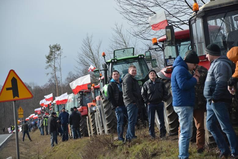 Kilkadziesiąt ciągników rolniczych prowadzonych przez gospodarzy niezadowolonych z rynkowej sytuacji pojawiło się 20 lutego na drogach regionu. Byli