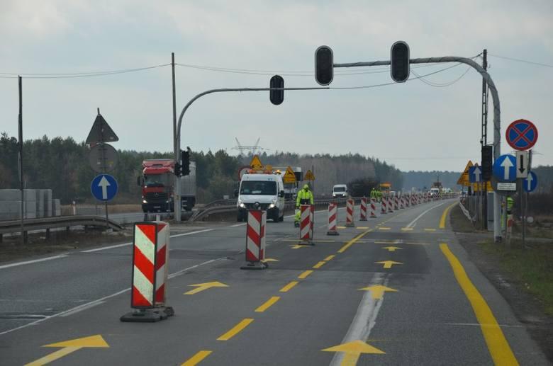 Na wiadukcie na nad autostradą A1 w Celinach rozpoczął się remont. Prace już ruszyły, kierowców obowiązuje objazd. Ważna jest również informacja, że