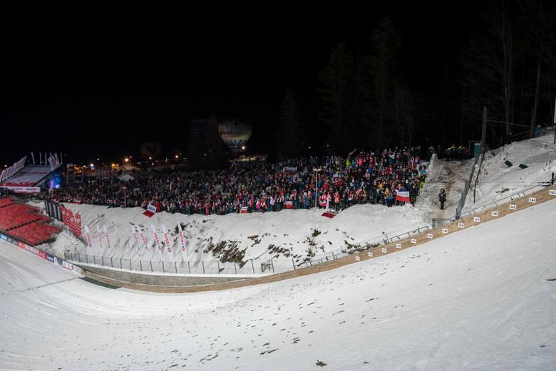 Skoki w Zakopanem 2020. Kibice już są. Opanowali Wielką Krokiew na kwalifikacjach