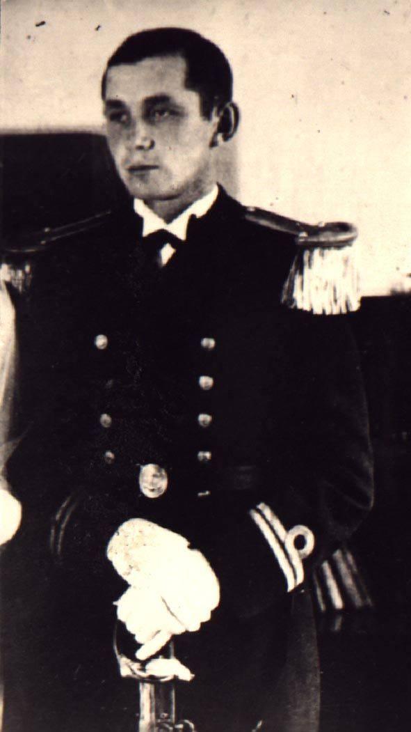 Zbigniew Przybyszewski urodził się 22 września 1907 w Giżewie w rodzinie ziemiańskiej. Był synem Józefa i Heleny z domu Janiszewskiej W 1927 zdał maturę