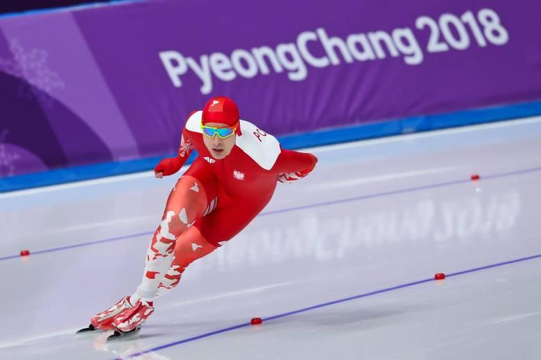 Broniący złotego medalu z Soczi na dystansie 1500 metrów Zbigniew Bródka w Pjogczangu uplasował się na 12. miejscu. Pozostali Polacy także nie zachwycili.