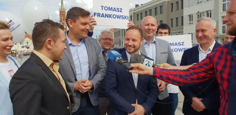 Tomasza Frankowskiego poparli wioślarz i były minister sportu Adam Korol, specjalista od rzutu młotem i poseł PO Szymon Ziółkowski oraz Dariusz Snarski,