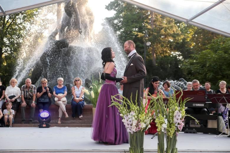 W sobotę, 24 sierpnia, odbył się przedostatni koncert z cyklu Fontanna Muzyki. Na festiwalu wystąpili artyści zespołu Artes Ensemble, którzy wykonali