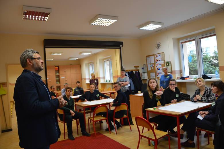 Narada obywatelska o edukacji w PSP nr 1 w Opolu.